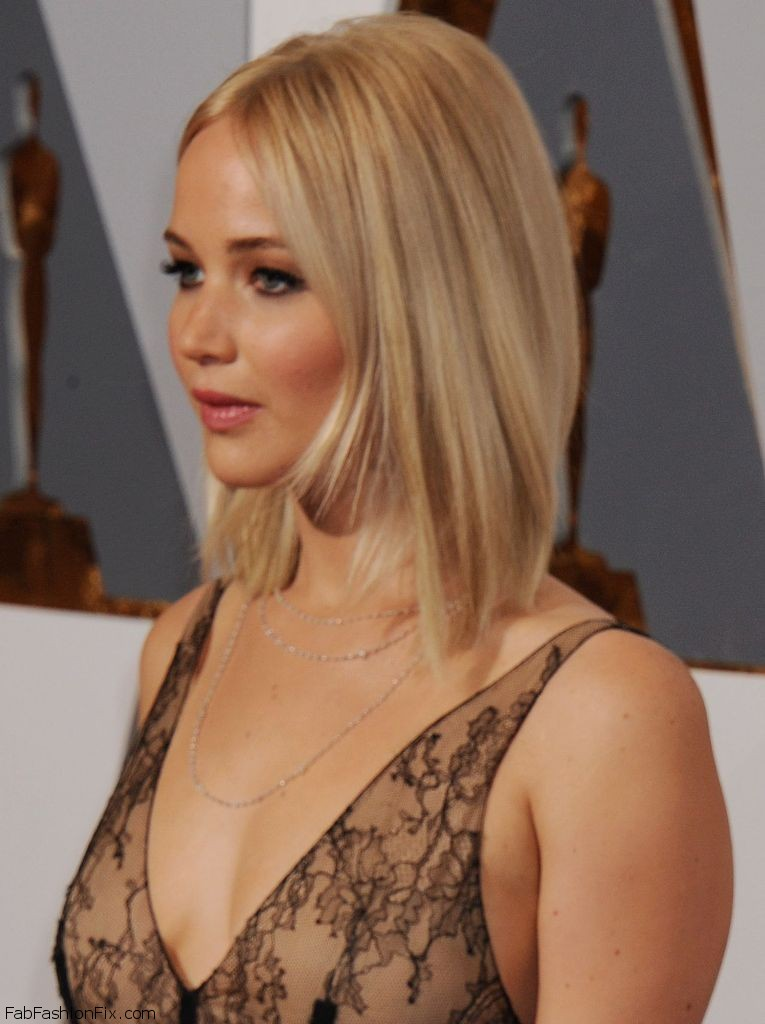 jennifer-lawrence-oscars-2016-in-hollywood-ca-2-28-2016-13