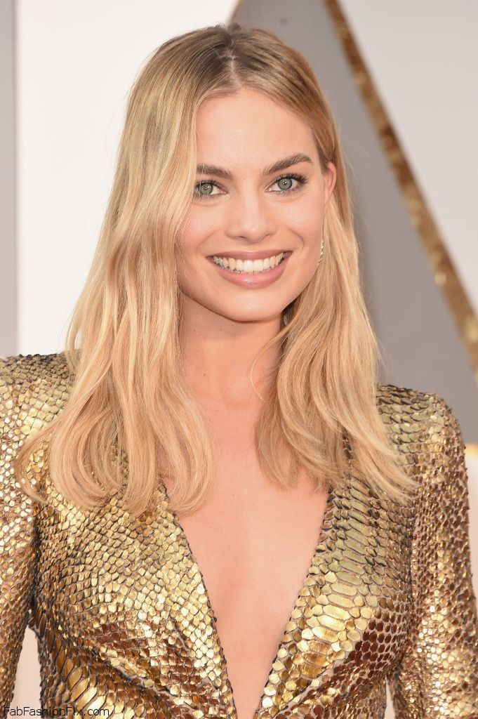 margot-robbie-oscars-2016-in-hollywood-ca-2-28-2016-1