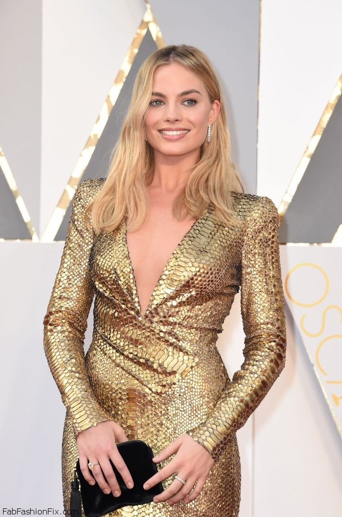 margot-robbie-oscars-2016-in-hollywood-ca-2-28-2016-6