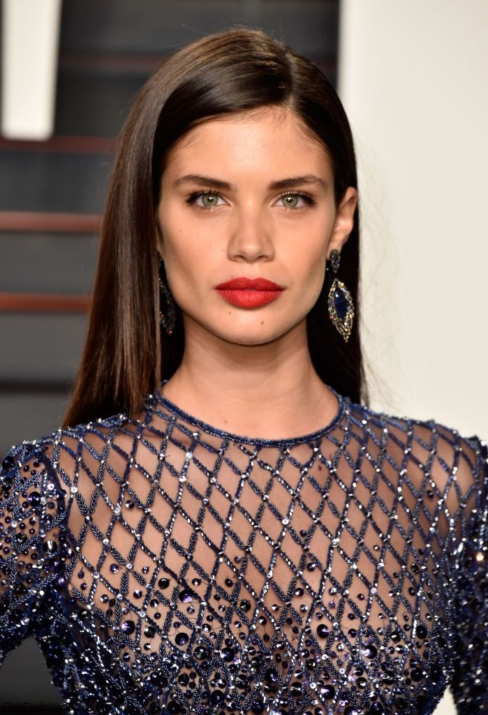 sara-sampaio-2016-vanity-fair-oscar-party-in-beverly-hills-ca-1