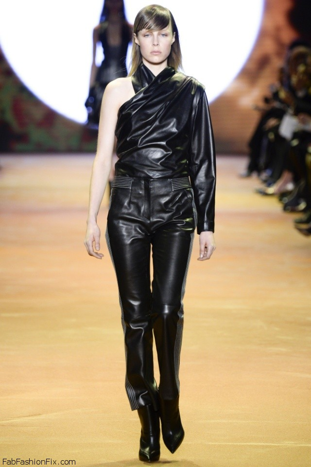 Mugler Fall/winter 2016 Collection - Paris Fashion Week
