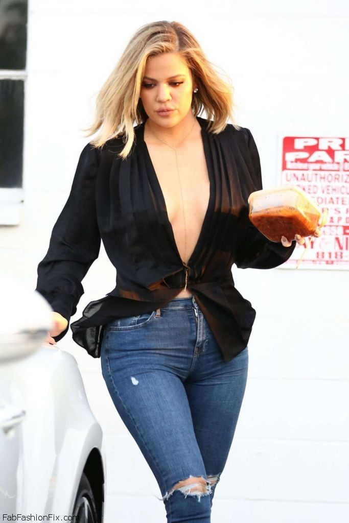 khloe-kardashian-booty-in-tight-jeans-out-in-van-nuys-in-la-march-2016-5