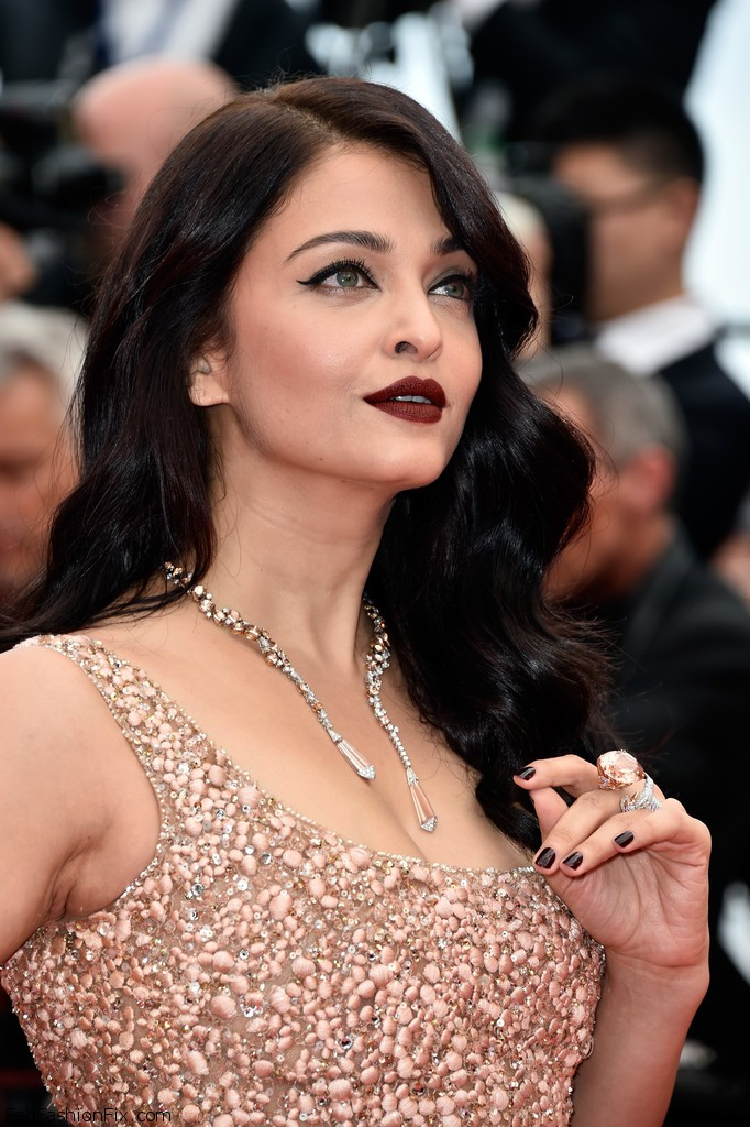 Aishwarya+Rai+BFG+Red+Carpet+Arrivals+69th+DJOTZpJ3NT1x