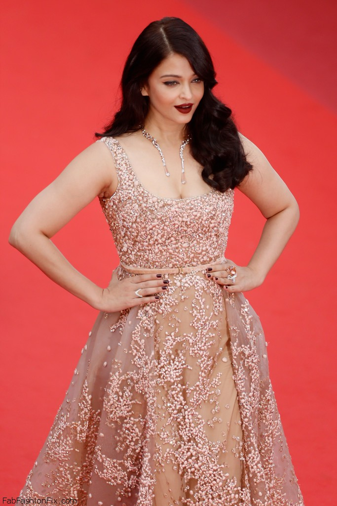 Aishwarya+Rai+BFG+Red+Carpet+Arrivals+69th+Hh_Roh22UTjx