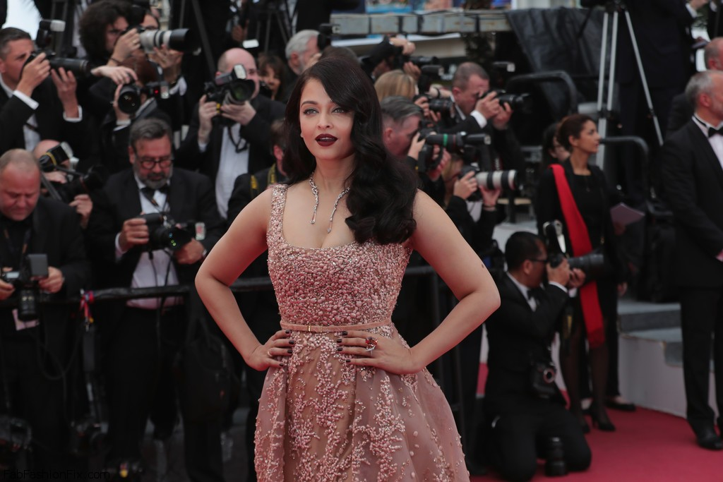 Aishwarya+Rai+BFG+Red+Carpet+Arrivals+69th+L0y6_iYecutx