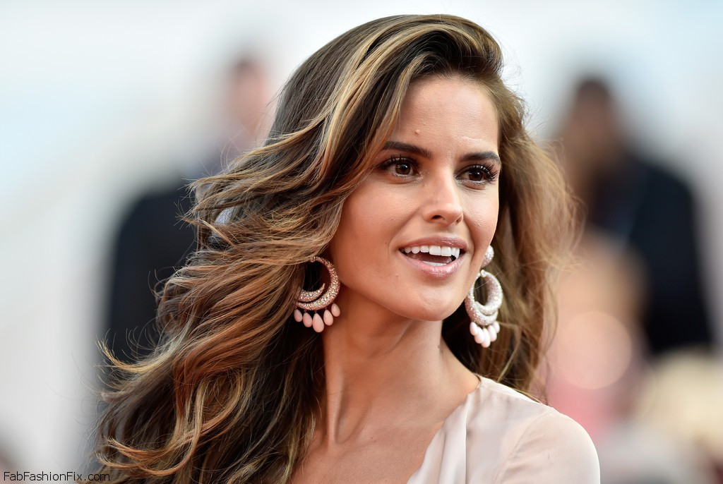Izabel+Goulart+Julieta+Red+Carpet+Arrivals+XxAD5QXdDfjx
