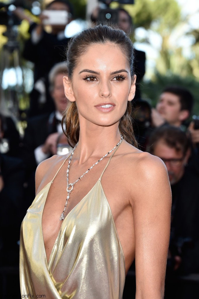 Izabel_Goulart_Last_Face_Red_Carpet_Arrivals_34PZcS5njHPx