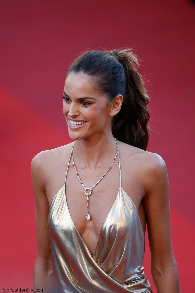 Izabel_Goulart_Last_Face_Red_Carpet_Arrivals_80huMKkGBIex