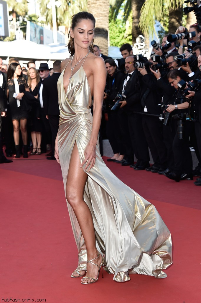 Izabel_Goulart_Last_Face_Red_Carpet_Arrivals_9FUAWw7n_3nx