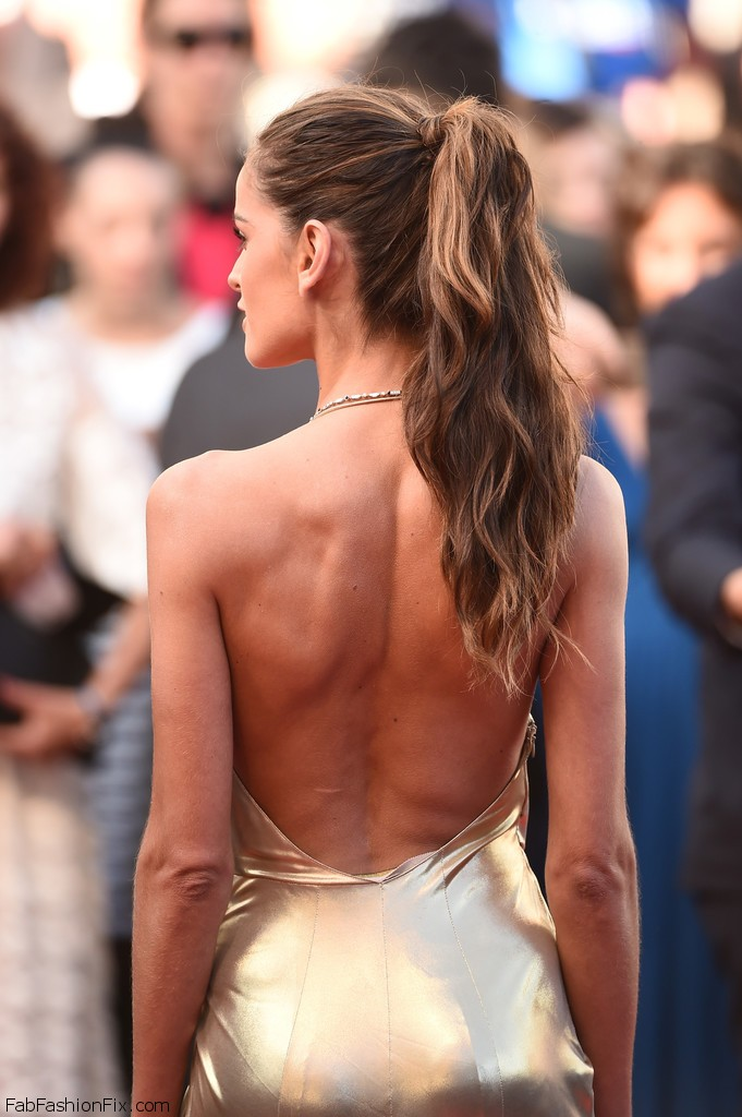 Izabel_Goulart_Last_Face_Red_Carpet_Arrivals_9RVPLYyOs04x