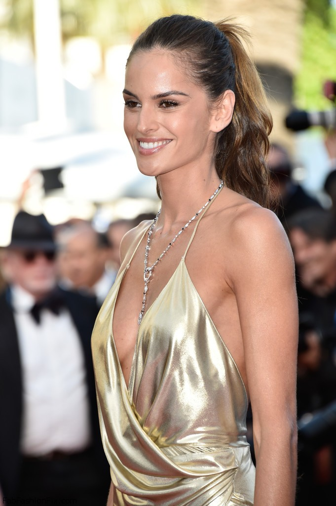 Izabel_Goulart_Last_Face_Red_Carpet_Arrivals_UcPle3FF9U6x