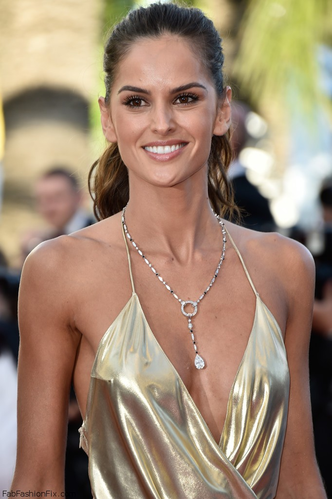 Izabel_Goulart_Last_Face_Red_Carpet_Arrivals_XCCEoaFnkOLx