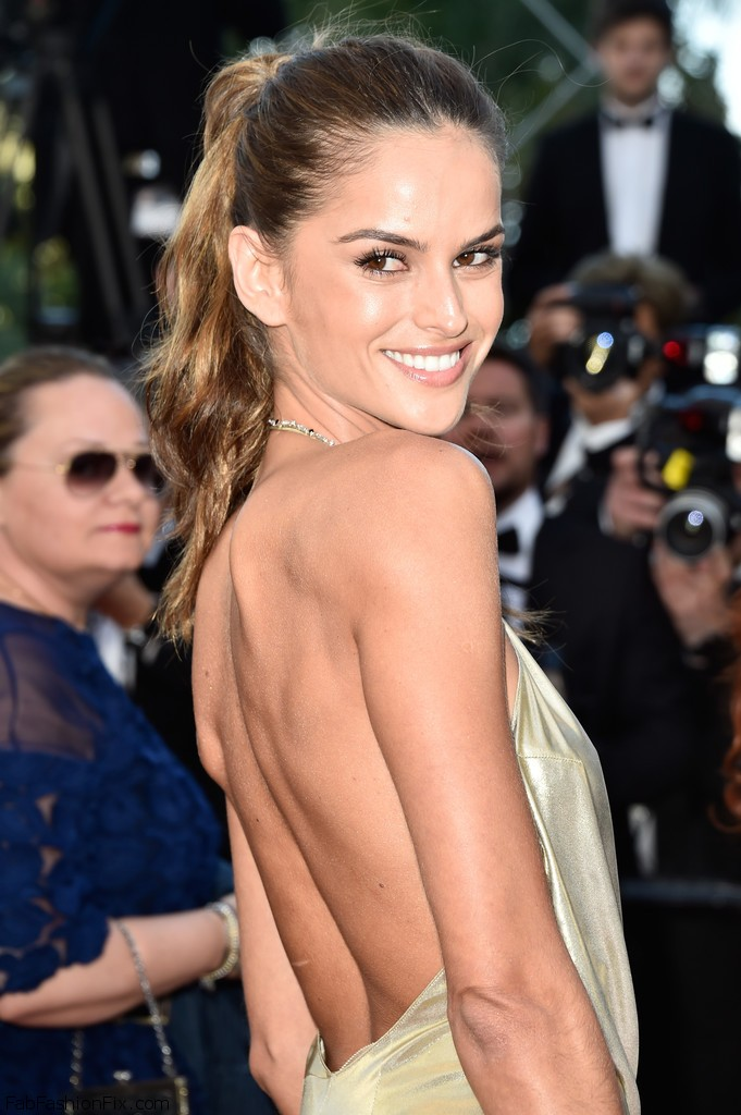 Izabel_Goulart_Last_Face_Red_Carpet_Arrivals_Xiy8e8jNxvux