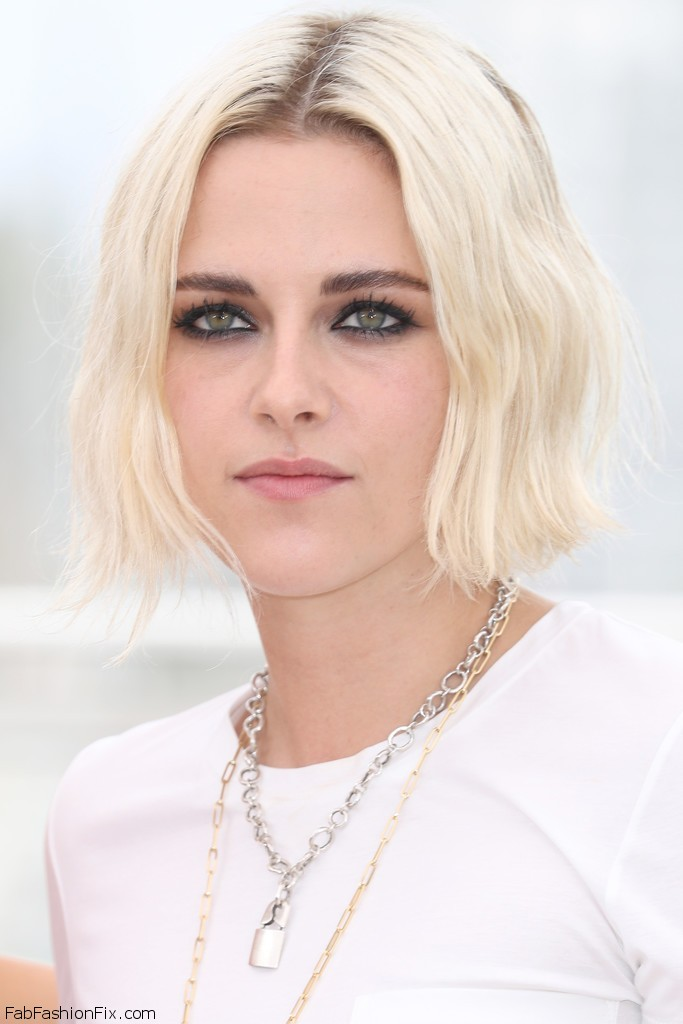 Kristen_Stewart_Cafe_Society_Photocall_69th_R7-3fE3d-jGx