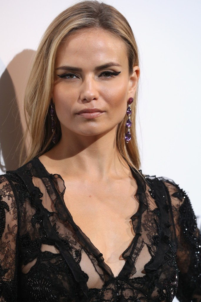 Natasha_Poly_De_Grisogono_Party_Red_Carpet_HWNkax2SmWJx