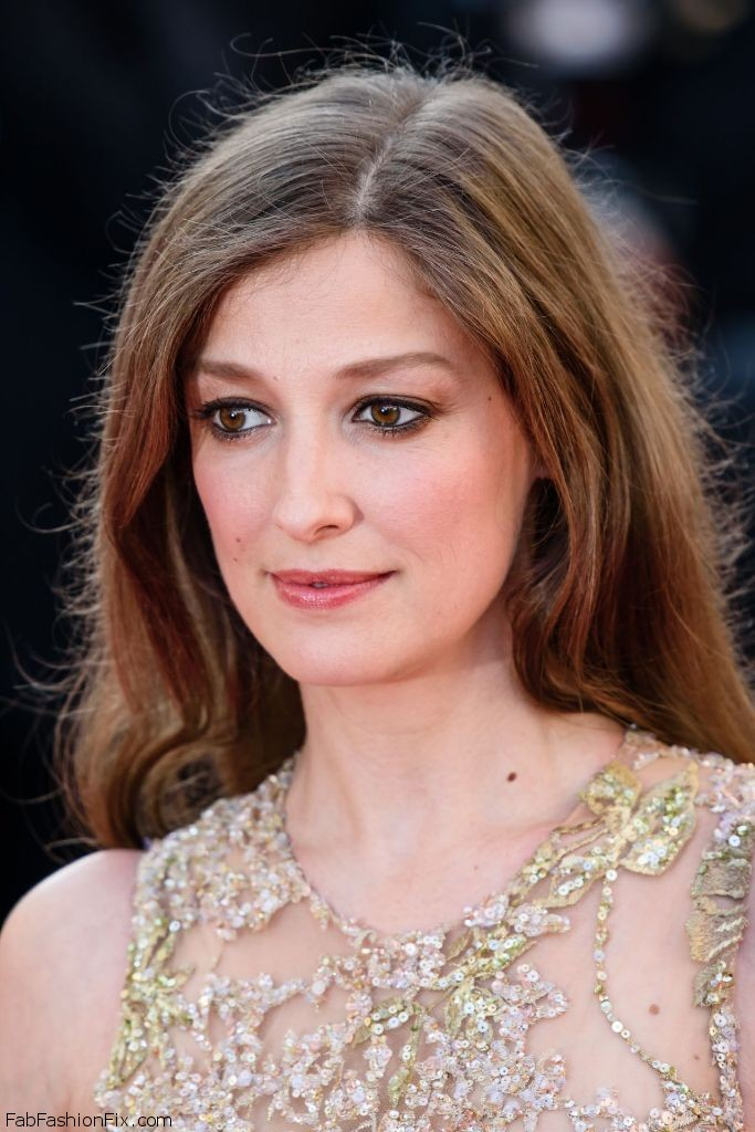 alexandra-maria-lara-elle-premiere-at-69th-cannes-film-festival-5-21-2016-2