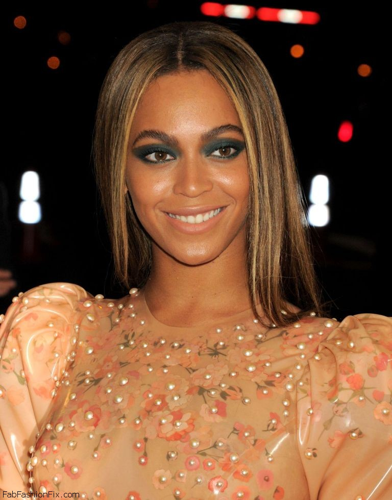 beyonce-met-costume-institute-gala-2016-in-new-york-16