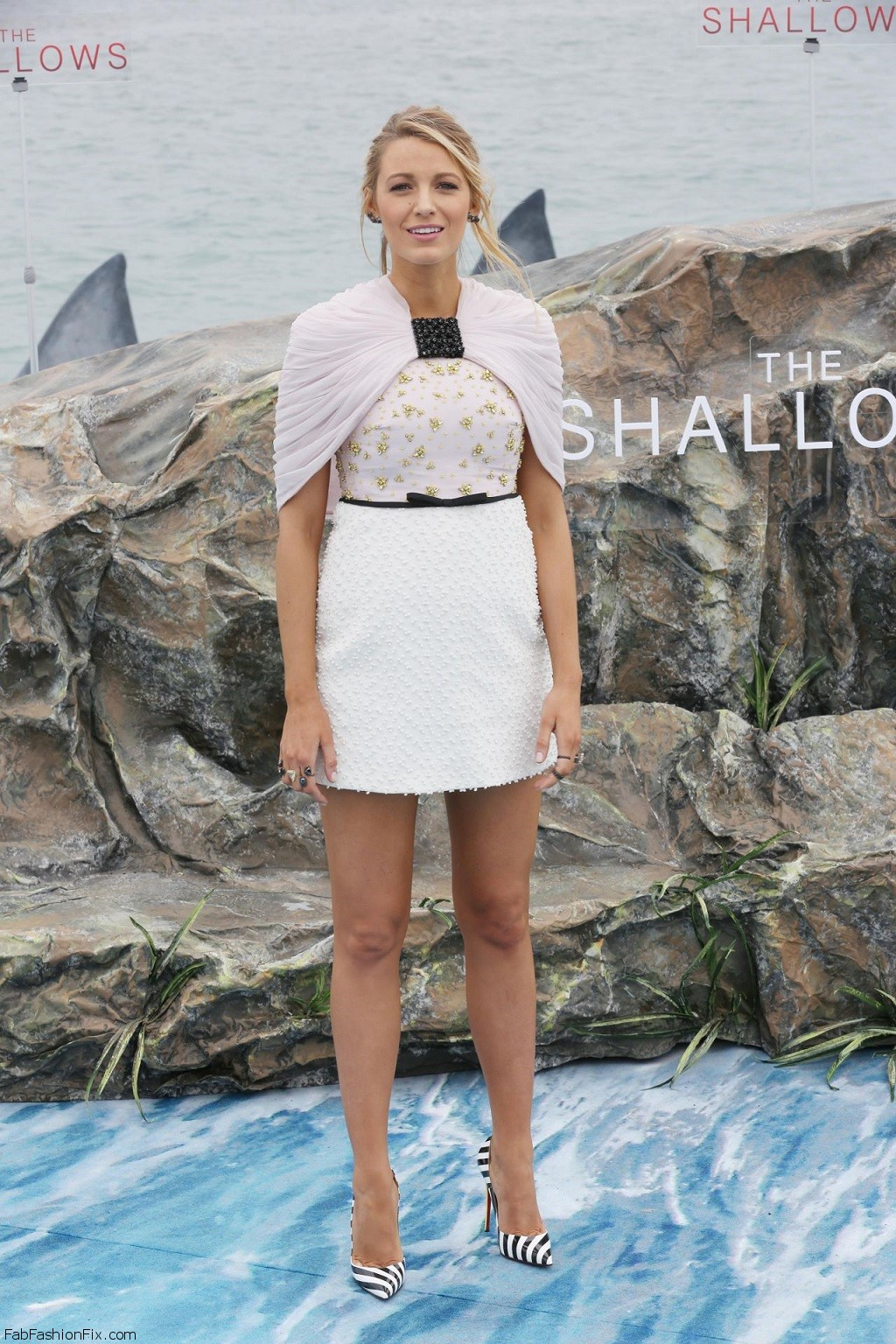 blake-lively-the-shallows-photocall-cannes-film-festival-5-13-2016-9
