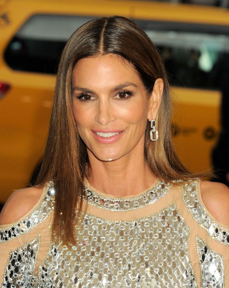 cindy-crawford-met-costume-institute-gala-2016-in-new-york-6