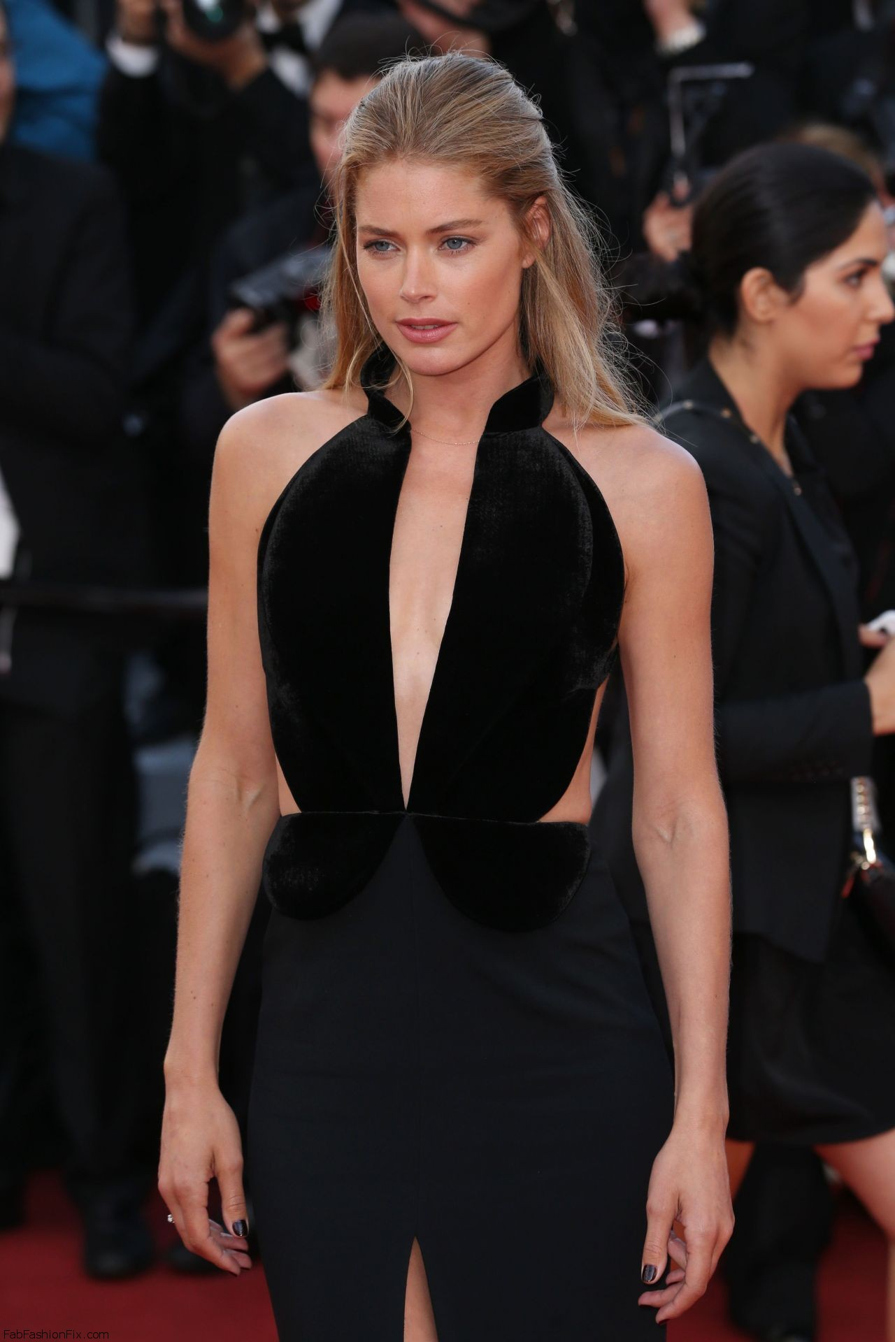 doutzen-kroes-cafe-society-premiere-and-the-opening-night-gala-2016-cannes-film-festival-2