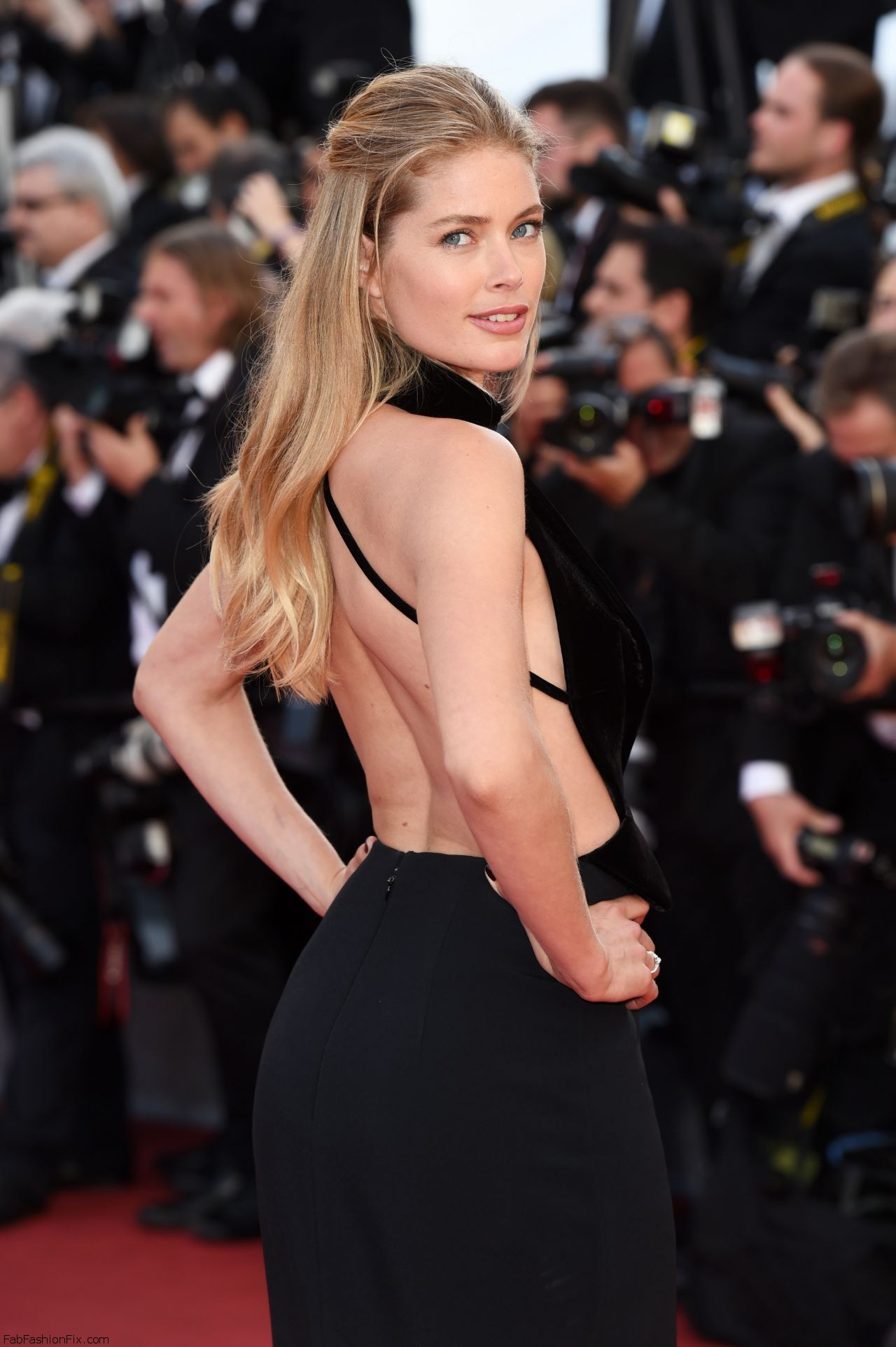 doutzen-kroes-cafe-society-premiere-and-the-opening-night-gala-2016-cannes-film-festival-4