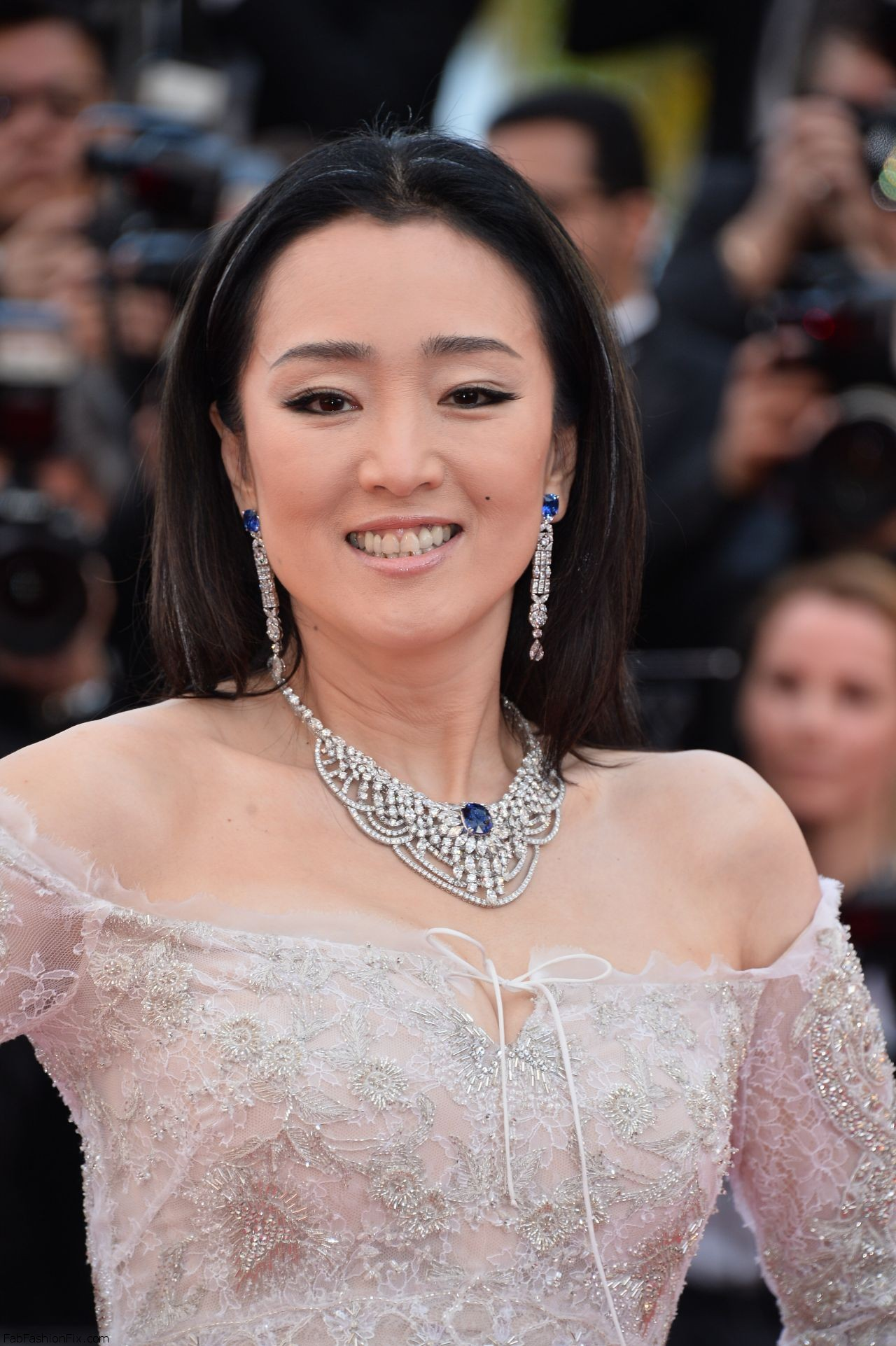 gong-li-cafe-society-premiere-and-the-opening-night-gala-2016-cannes-film-festival-7