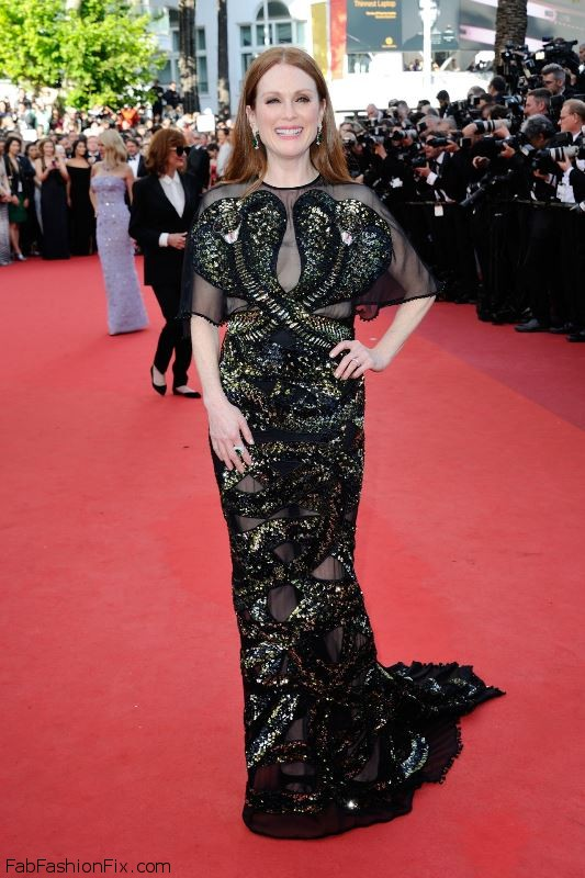 julianne-moore-opening-ceremony-at-palais-des-festivals-in-cannes-france-5-11-2016-7