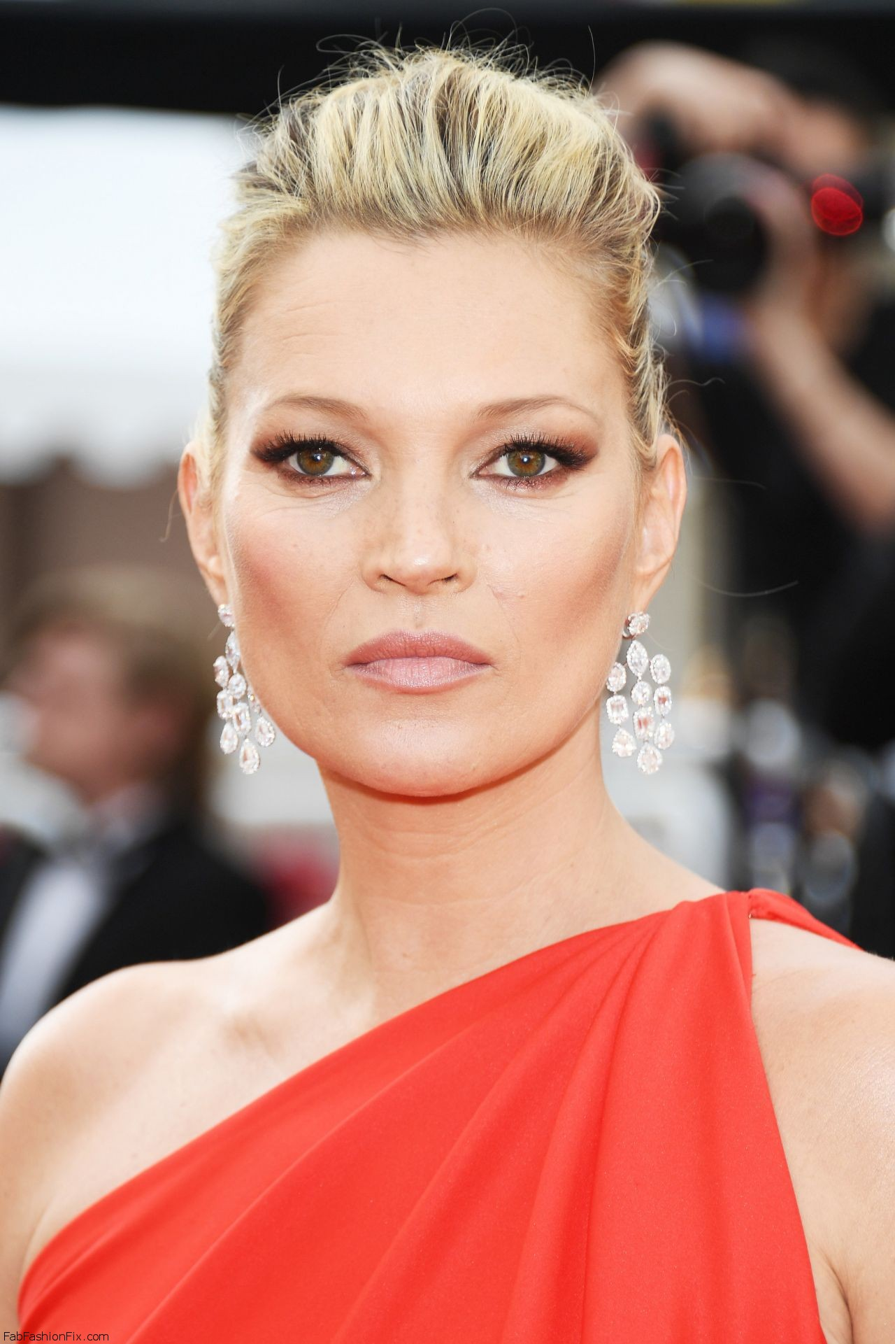 kate-moss-the-loving-premiere-at-69th-cannes-film-festival-5-16-2016-3