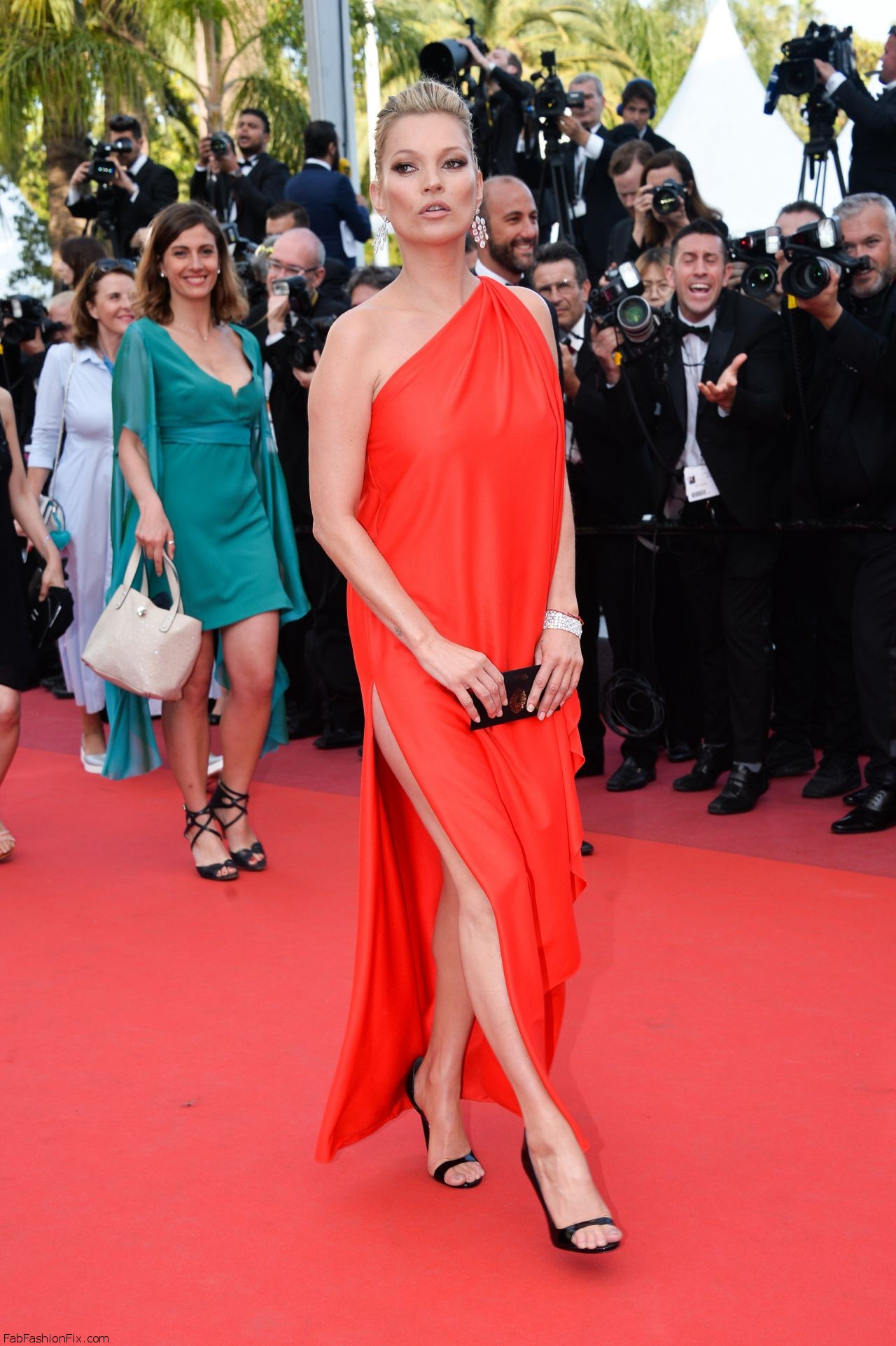kate-moss-the-loving-premiere-at-69th-cannes-film-festival-5-16-2016-4