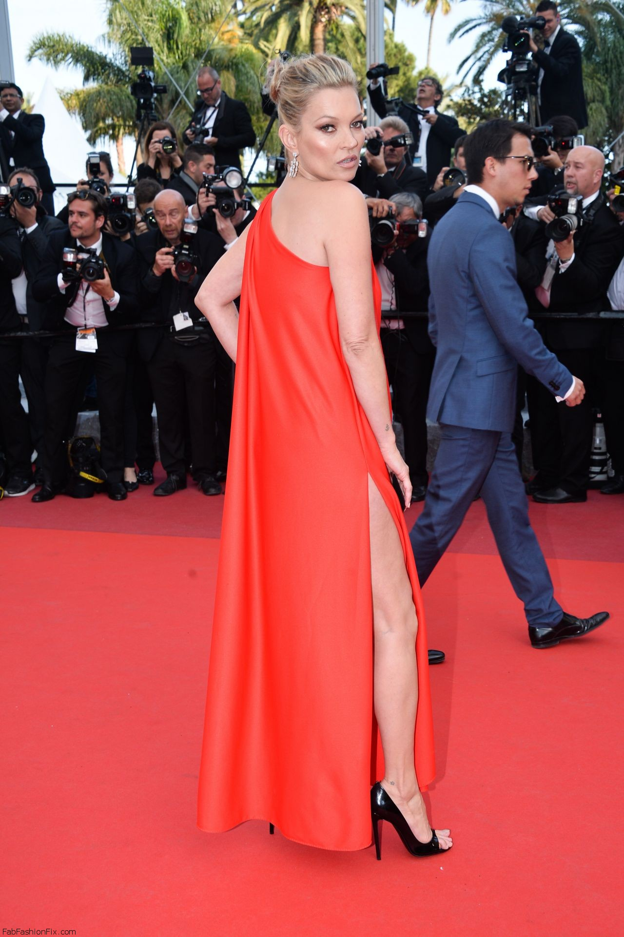 kate-moss-the-loving-premiere-at-69th-cannes-film-festival-5-16-2016-5