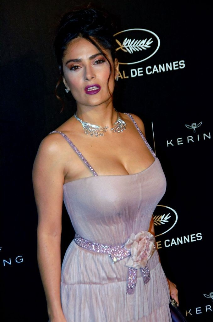 salma-hayek-69th-cannes-film-festival-women-in-motion-gala-awards-5-15-2016-1