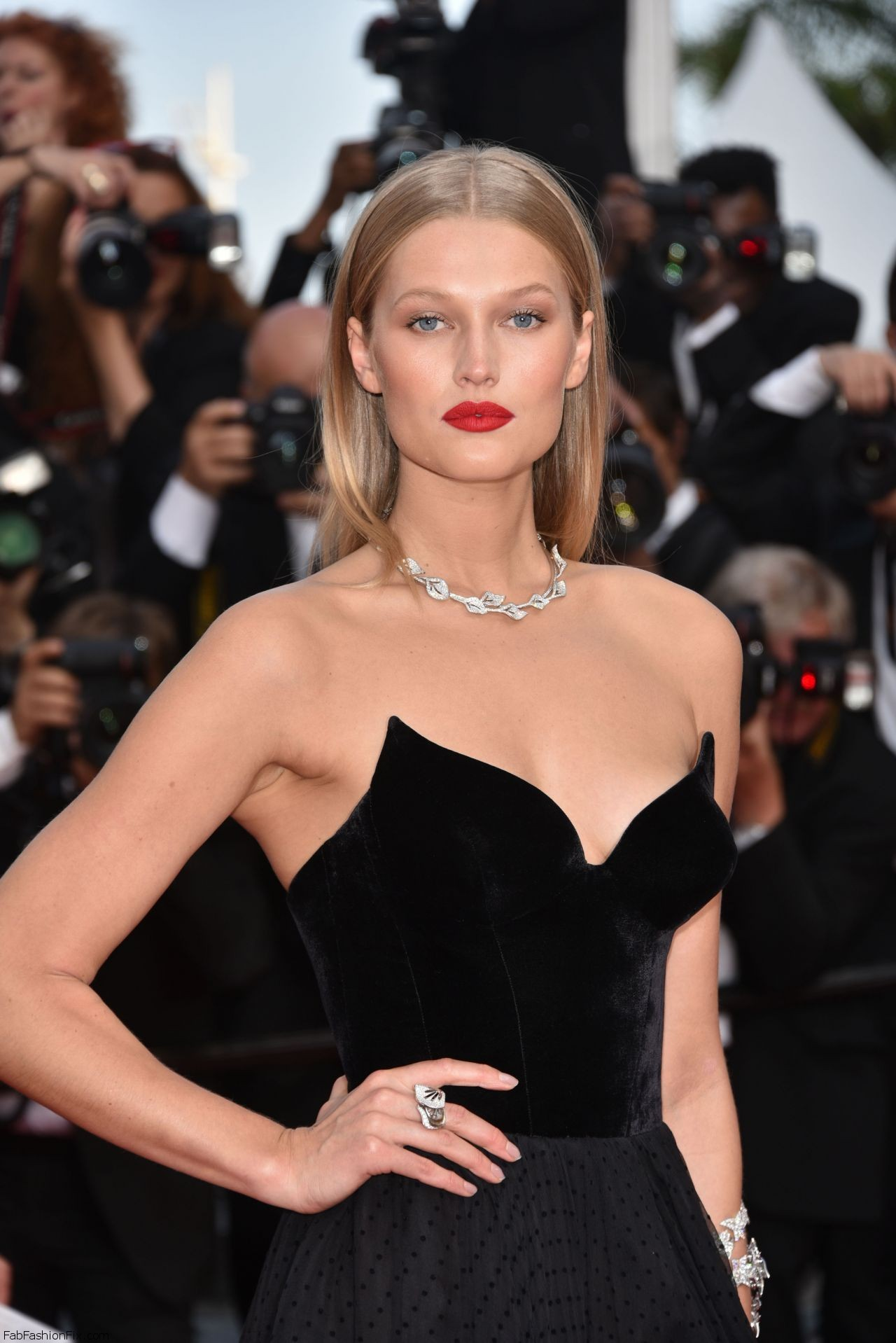 toni-garrn-the-loving-premiere-at-69th-cannes-film-festival-5-16-2016-2
