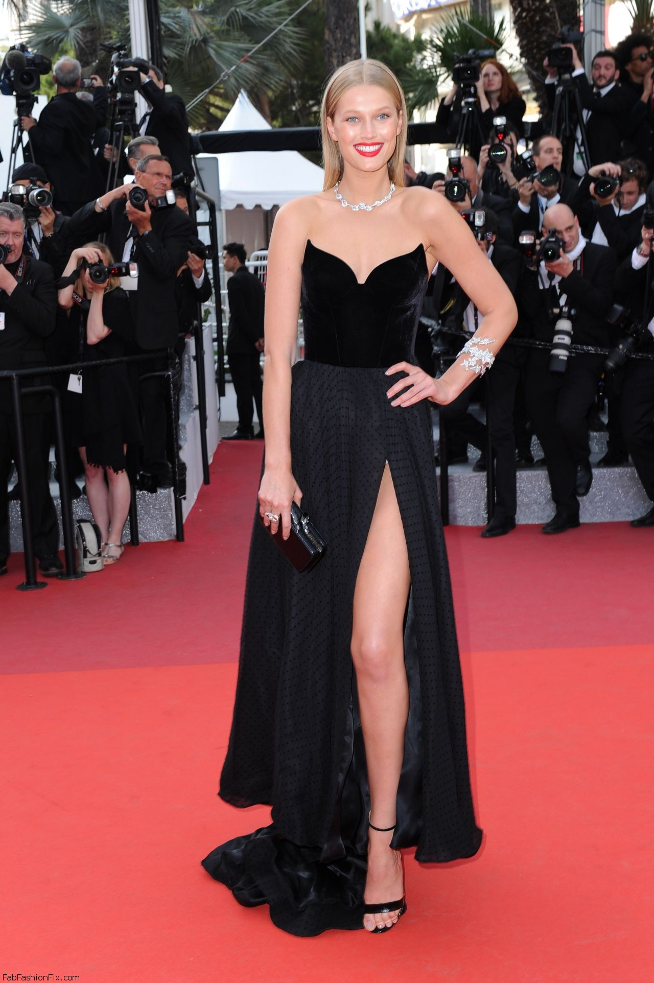 toni-garrn-the-loving-premiere-at-69th-cannes-film-festival-5-16-2016-5
