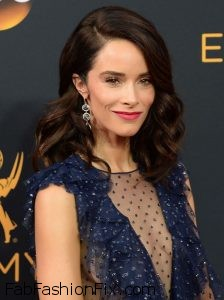 abigail-spencer-68th-annual-emmy-awards-in-los-angeles-09-18-2016-1