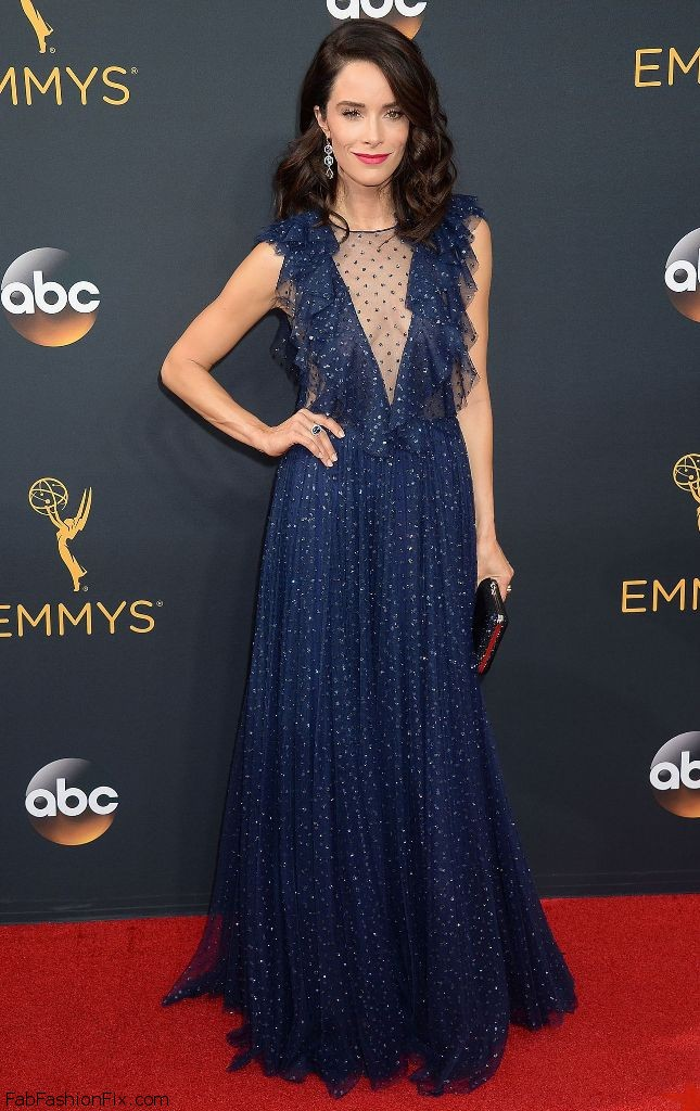 abigail-spencer-68th-annual-emmy-awards-in-los-angeles-09-18-2016-3