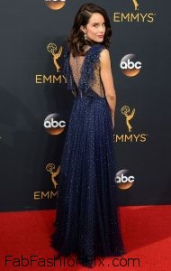 abigail-spencer-68th-annual-emmy-awards-in-los-angeles-09-18-2016-5