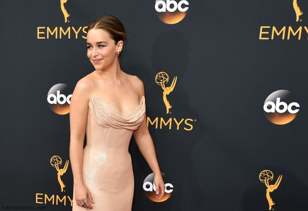 emilia-clarke-68th-annual-emmy-awards-in-los-angeles-09-18-2016-11
