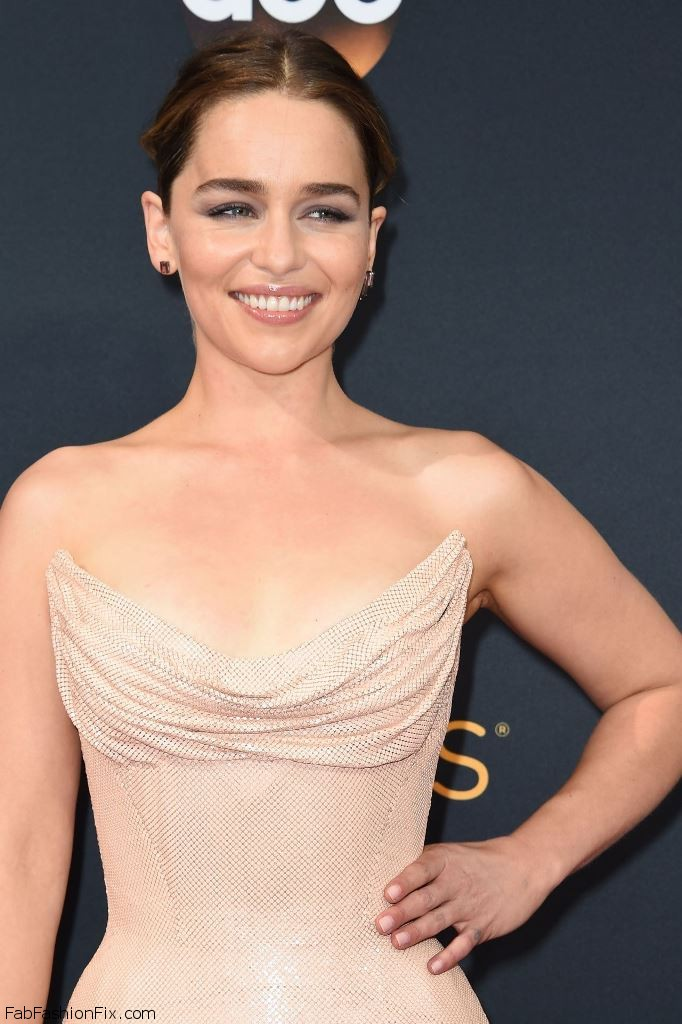 emilia-clarke-68th-annual-emmy-awards-in-los-angeles-09-18-2016-20