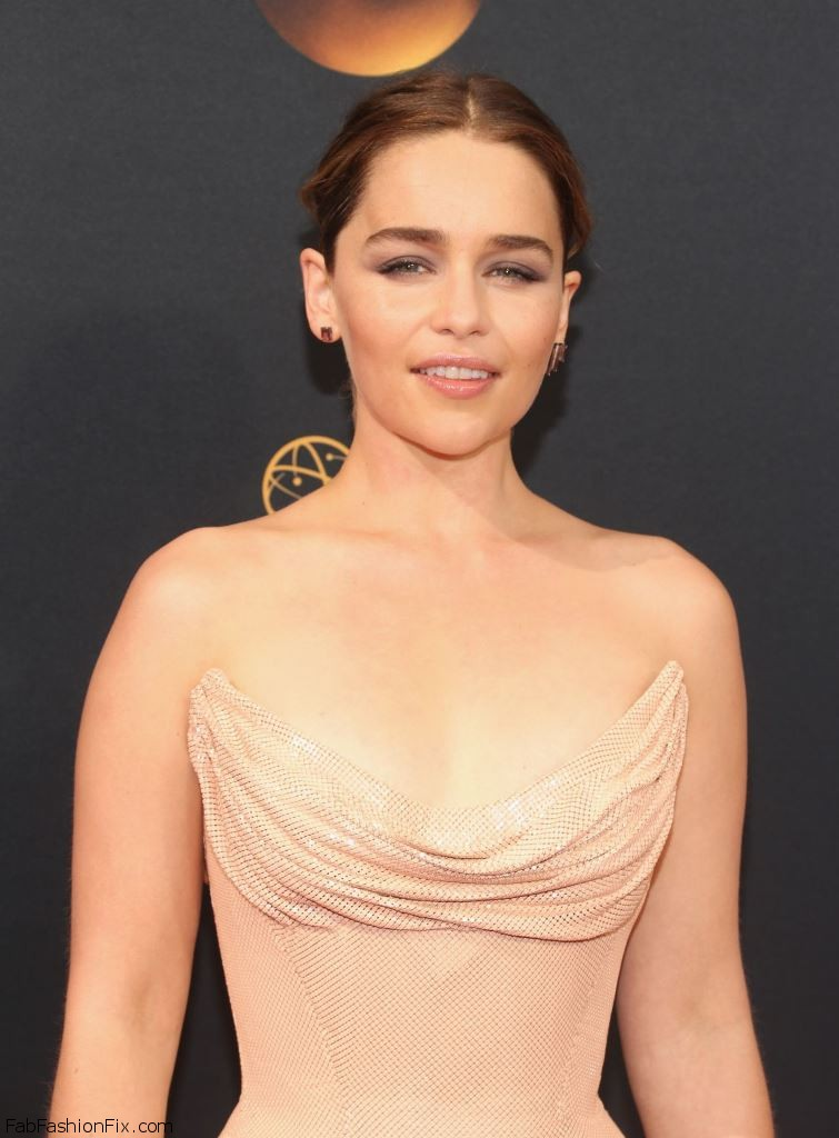 emilia-clarke-68th-annual-emmy-awards-in-los-angeles-09-18-2016-3