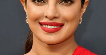 priyanka-chopra-68th-annual-emmy-awards-in-los-angeles-09-18-2016-5