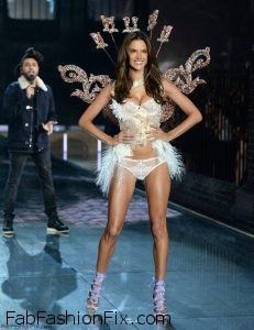 alessandra-ambrosio-2015-victorias-secret-fashion-show