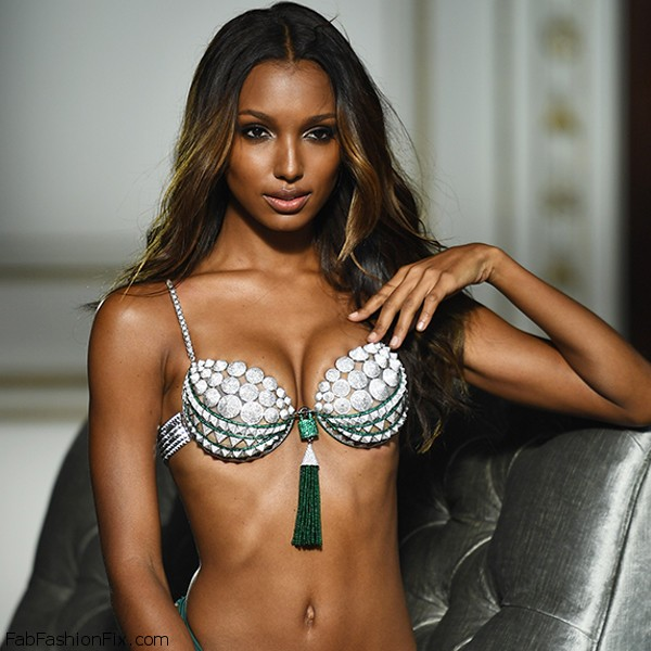 victorias-secret-fantasy-bra-2016-bright-night-eddie-borgo-jasmine-tookes-david-bellemere-3
