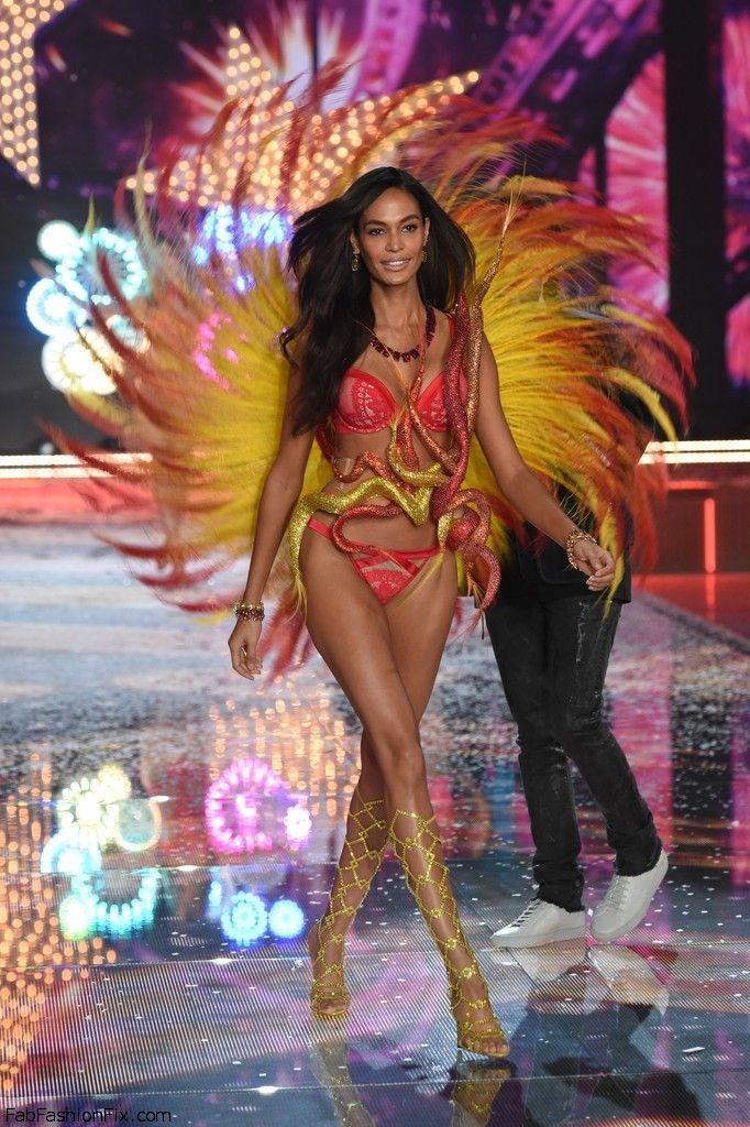 joan-smalls-2015-victorias-secret-fashion-show