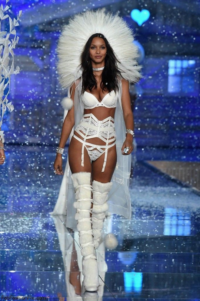 lais-ribeiro-2015-victorias-secret-fashion-show