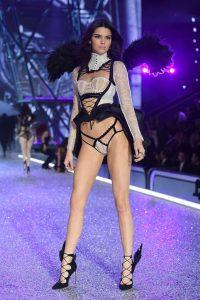 kendall-jenner-2016-victorias-secret-fashion-show-runway-08