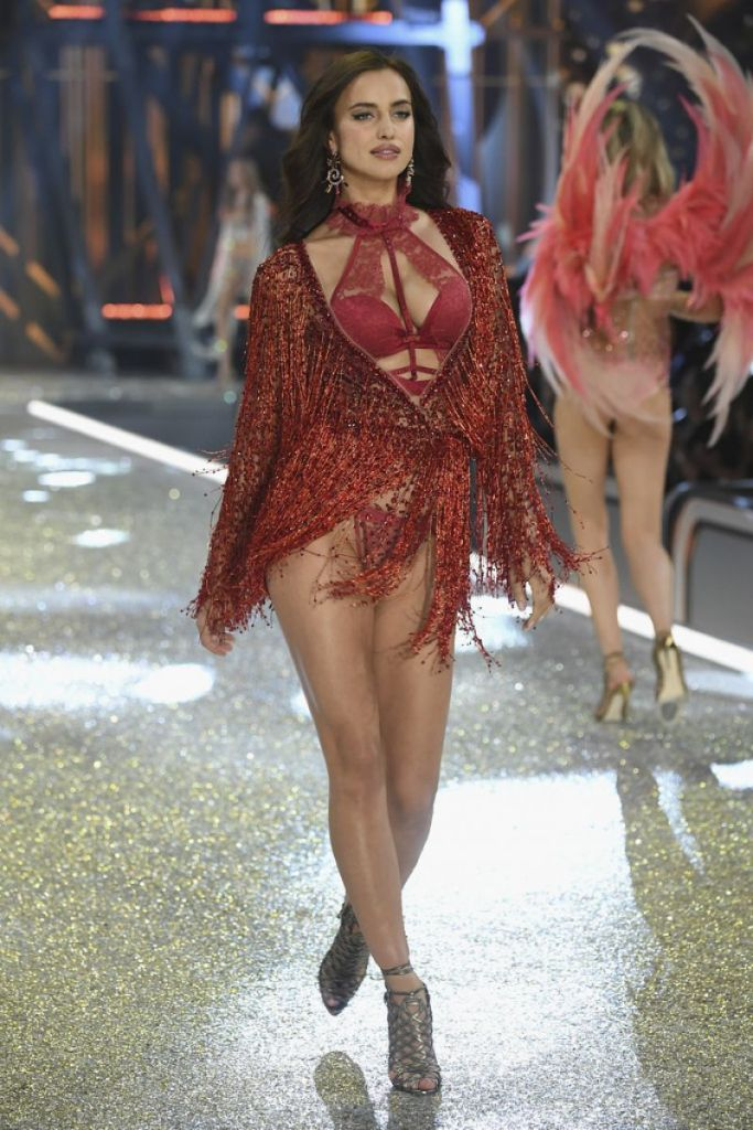 irina-shayk-at-victoria-s-secret-2016-fashion-show-in-paris