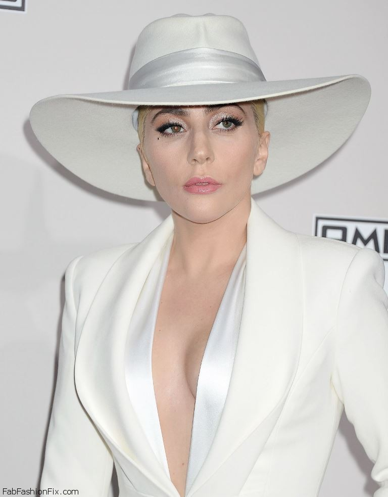 lady-gaga-2016-american-music-awards-in-los-angeles-1