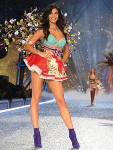 sara-sampaio-vs-fashionshow-2