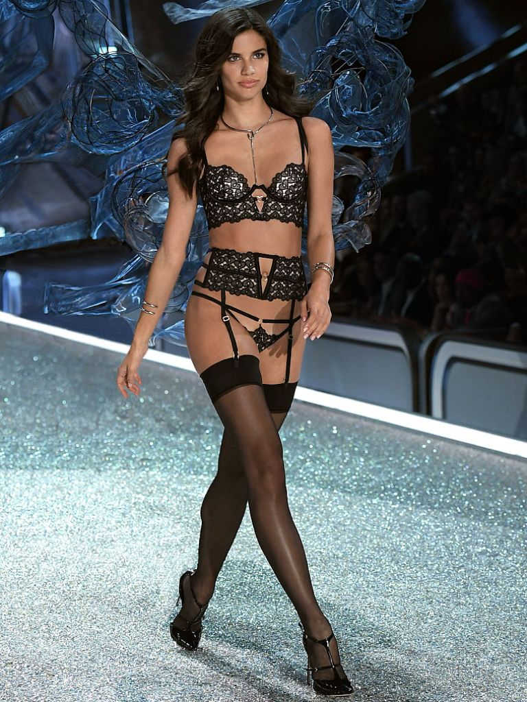 sara-sampaio-vs-fashionshow