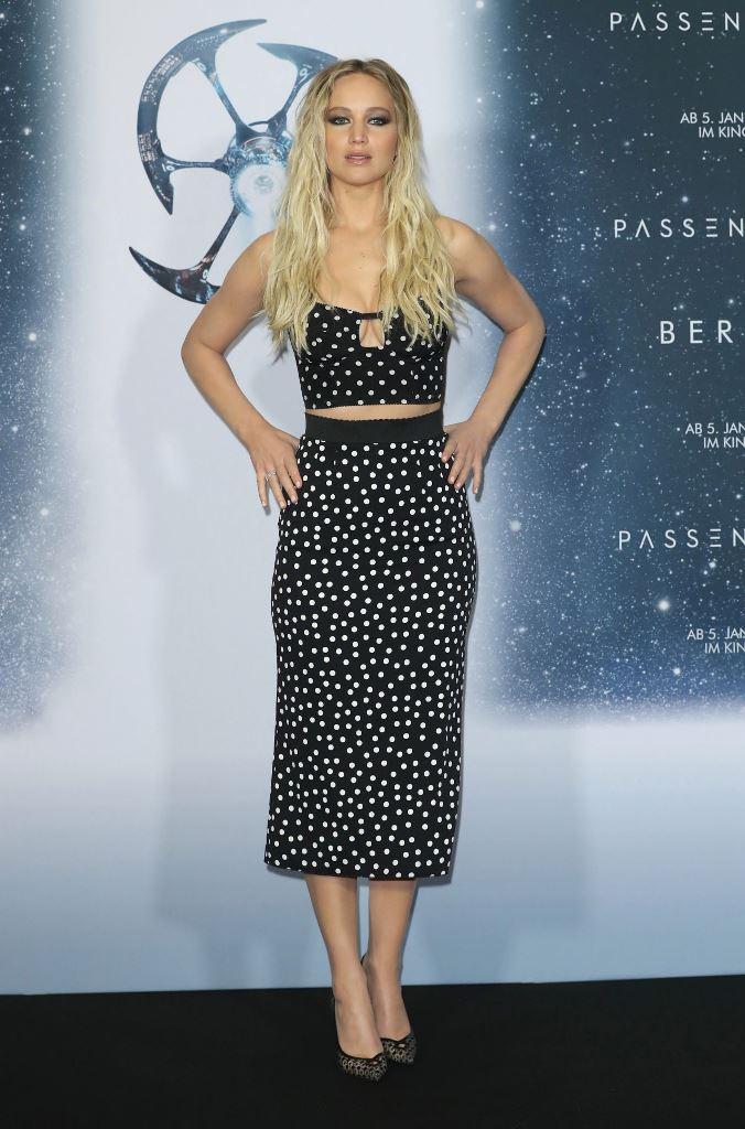 Jennifer Lawrence – 'Passengers' Premiere